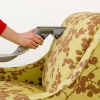 Чищення м`яких меблів на дому, засіб для чищення своїми руками.