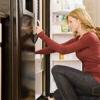Як і чим мити (почистити) холодильник всередині і зовні?