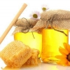 Як використовувати мед від прищів?