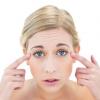 Які робити маски від зморшок навколо очей?