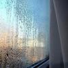 Чому пластикові вікна потіють, про запотівше скло або конденсат.